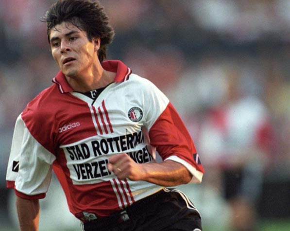 Julio Cruz in maglia Feyenoord