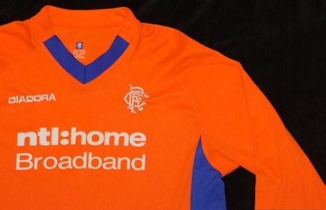 Dettaglio maglia Rangers arancione 2002-2003