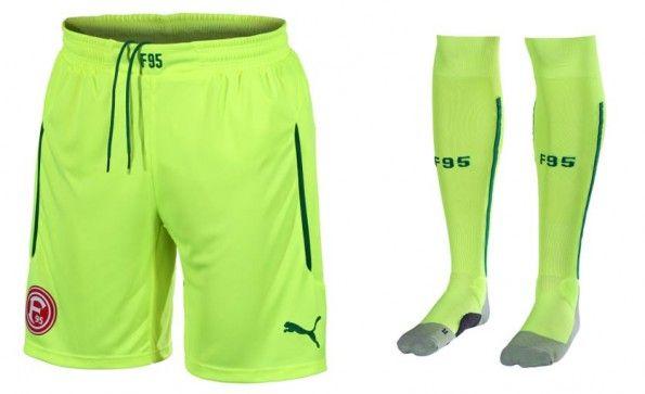 Pantaloncini calzettoni terza divisa Fortuna Dusseldorf 2014-15