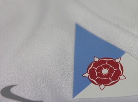 Rosa Lancaster maglia Rovers 2014-15