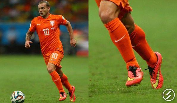 Le scarpe di Sneijder ai Mondiali, Hypervenom Phantom