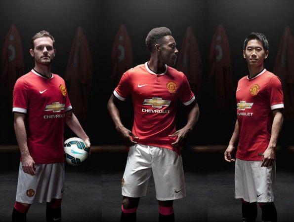 Mata, Welbeck, Kagawa divisa Manchester United