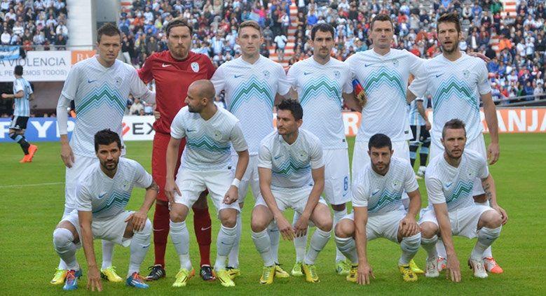 Formazione Slovenia 2014 divisa home