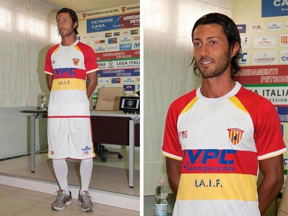 Benevento seconda maglia 2014-15