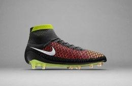 Scarpe Magista Nike, colorazione agosto 2014