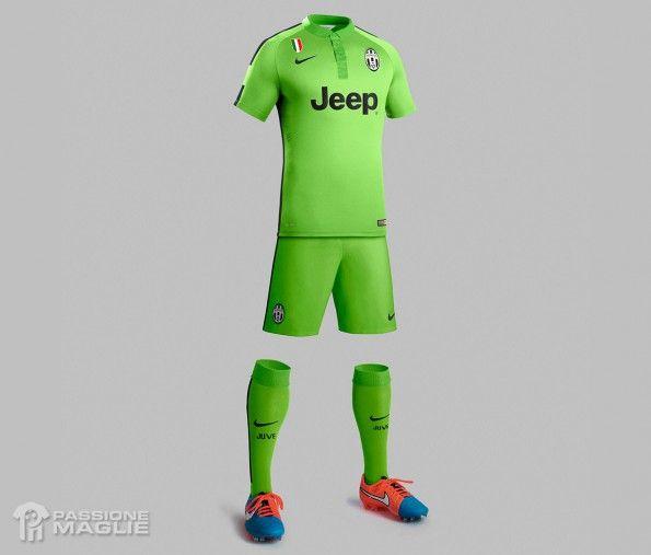 Juventus terza divisa verde 2014-15 Nike