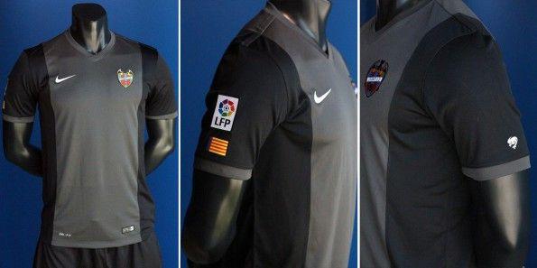 Seconda maglia Levante 2014-2015