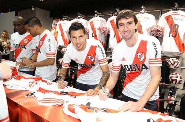 Presentazione maglia River Plate 2014-2015