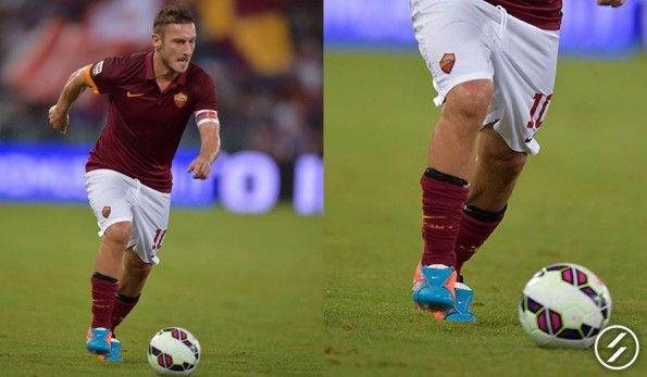Le scarpe di Francesco Totti, Tiempo Legend V personalizzate