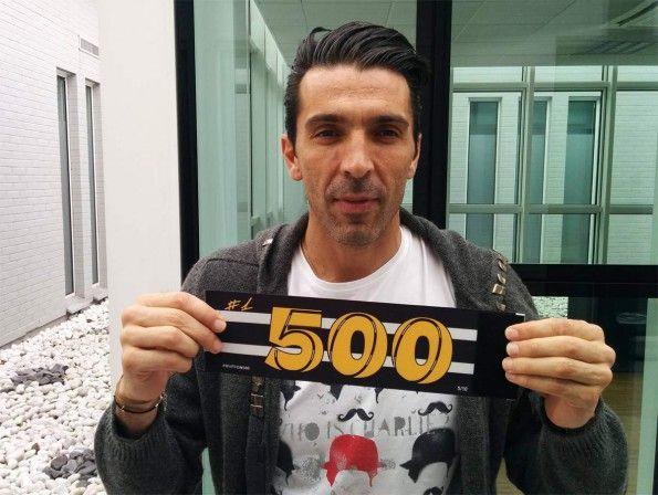 Fascia capitano 500 presenze Buffon