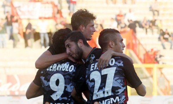 Ternana, maglia third 2014-2015, font