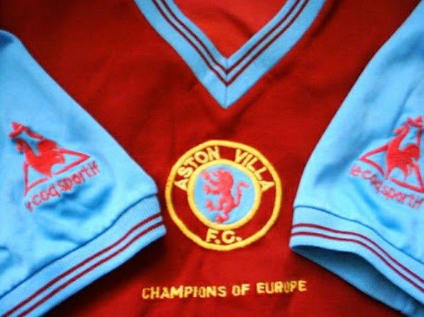 Dettaglio maglia Aston Villa 1982-1983