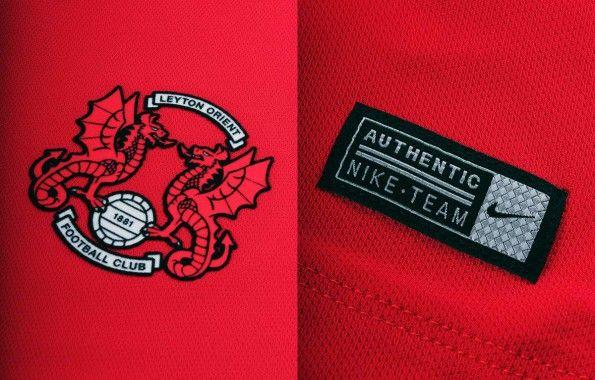Stemma Leyton Orient maglia home 2014-15