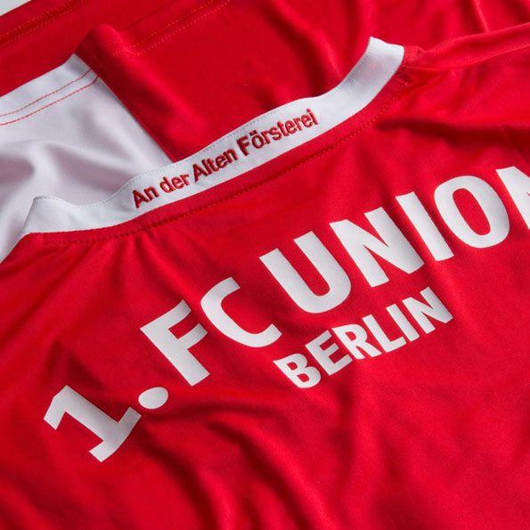 Dettaglio colletto maglia home Union Berlino 2014-15