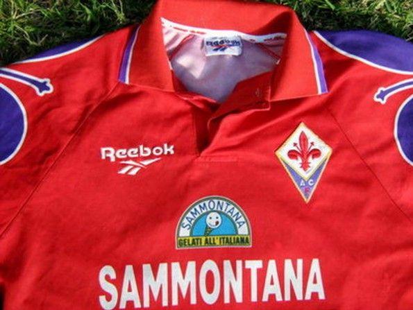 Dettaglio maglia Fiorentina 1995-1996 rossa