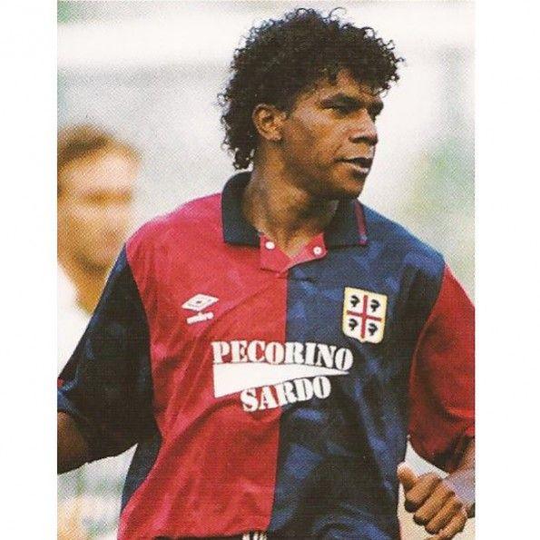 Oliveira con la maglia del Cagliari 1992-1993