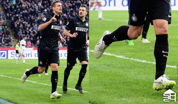 Vidic (Inter) Nike Tiempo Legend V Shine