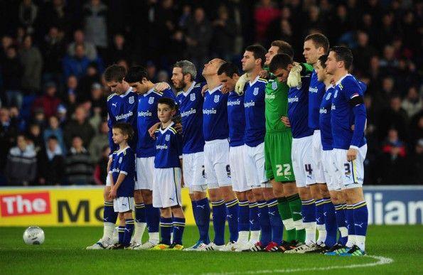 Il Cardiff City in maglia blu