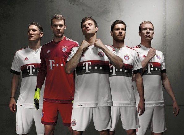 Kit away Bayern Monaco 2015-2016