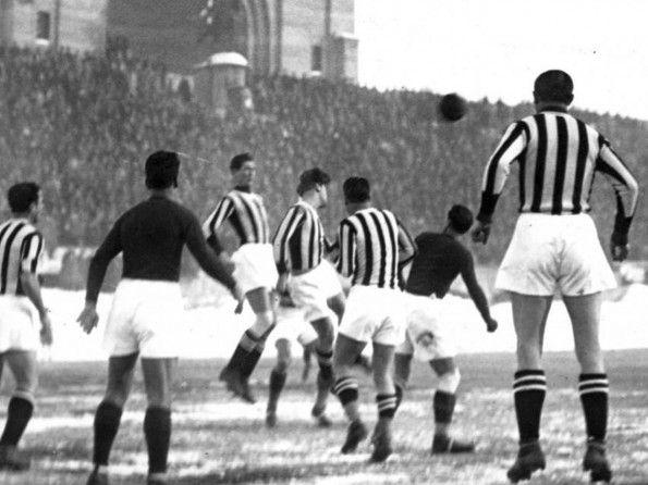 Juventus, maglia 1933 a Bologna