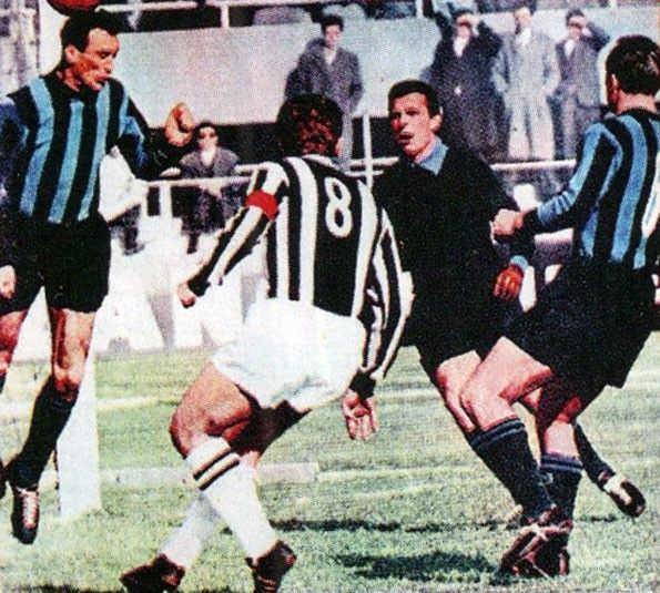 Juventus, numerazione 1956-1957 contro l'Inter