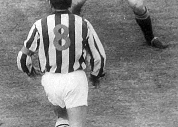 Juventus, numeri rossi, 1957-58