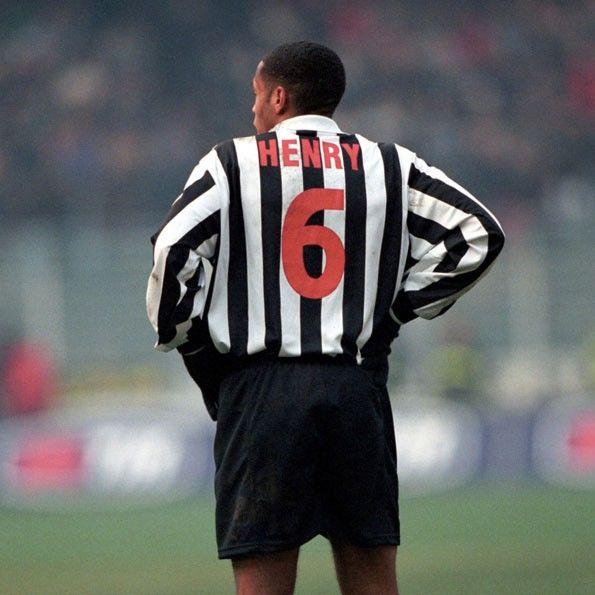 Henry nella Juventus, numerazione rossa 1998-1999