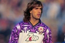 Batistuta con la maglia della Fiorentina 1992-1993