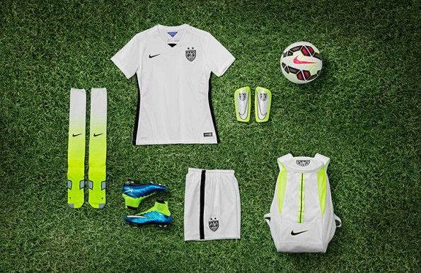 Collezione Nike USA femminile 2015