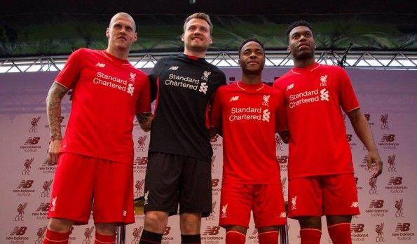 Presentazione maglie Liverpool 2015-16