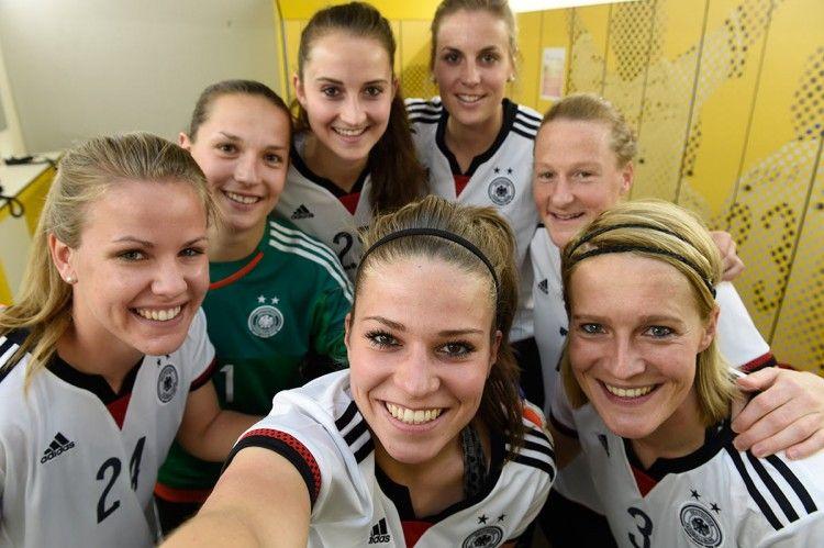 Presentazione maglia Germania femminile 2015-16