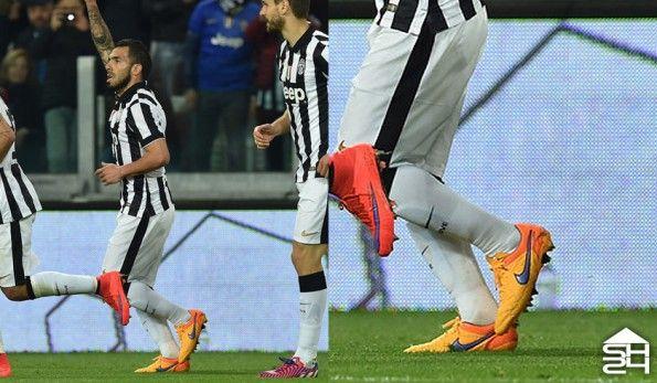Carlos Tevez (Juventus) - Nike Tiempo Legend V #intenseheat