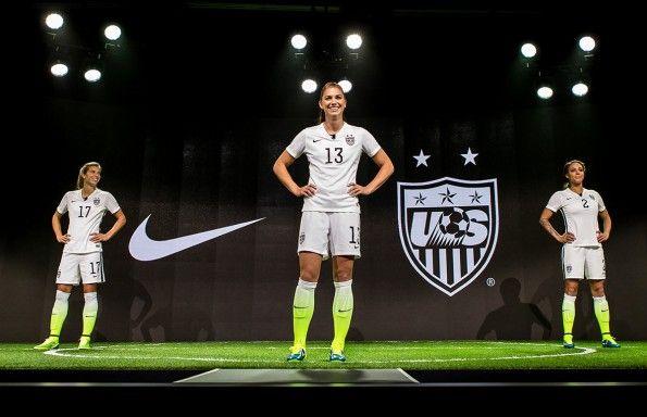 Presentazione kit Stati Uniti femminile Mondiali 2015