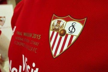 Scritta celebrativa maglia Siviglia finale Europa League 2014-2015