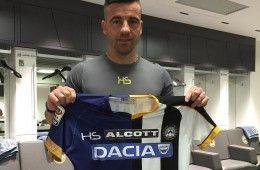 Di Natale mostra la maglia a metà dell'Udinese