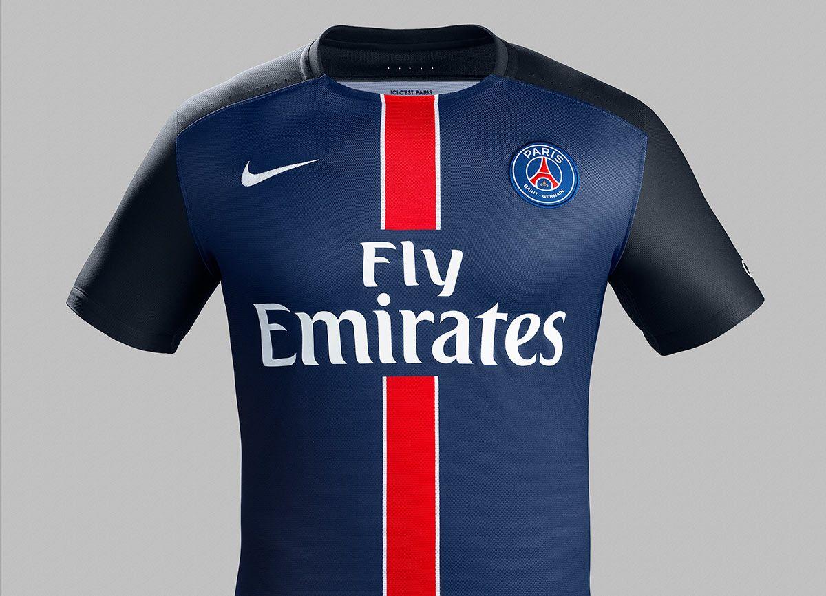 Maglie Paris Saint-Germain 2015-2016, torna il palo rosso