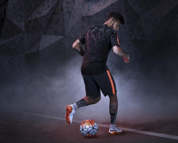 Neymar scarpini Hypervenom II