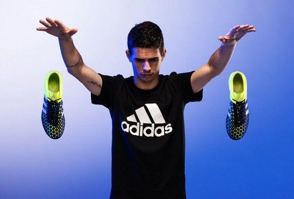 Oscar controlla le scarpe ACE adidas