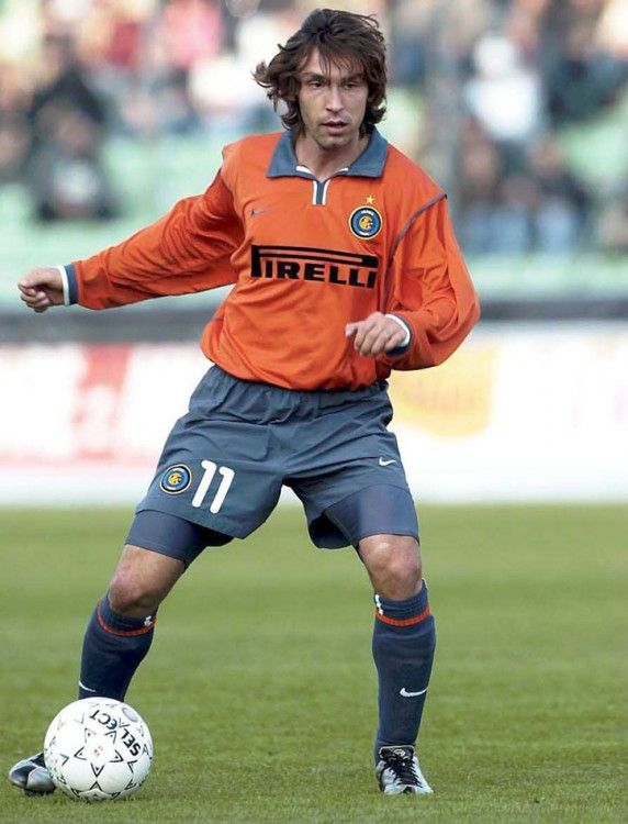 Pirlo con le scarpe Nike Mercurial all'Inter