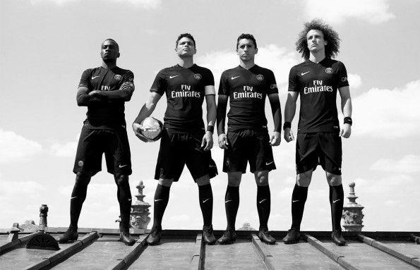 Terza maglia PSG 2015-2016 nera