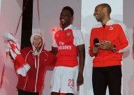 Welbeck e Henry presentazione kit Arsenal