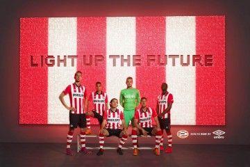 Presentazione kit PSV Eindhoven 2015-2016