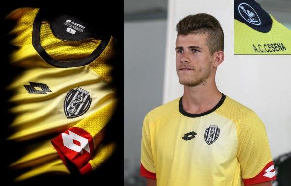 Terza maglia Cesena 2015-2016 gialla