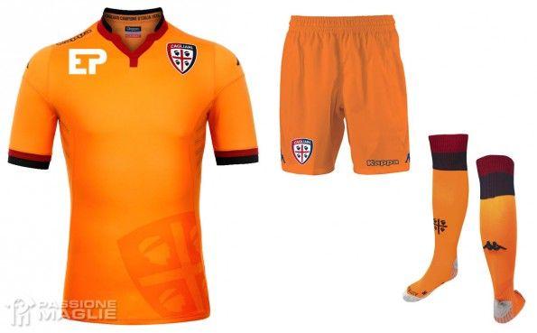 Terza maglia Cagliari 2015-2016 arancione