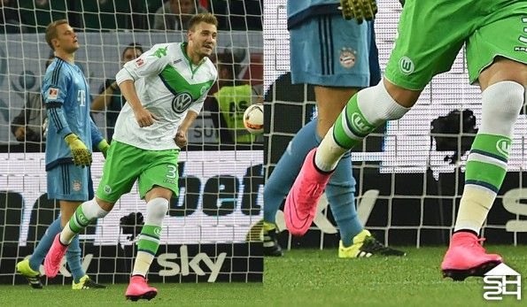 Nicklas Bendtner (Wolfsburg) - Nike Mercurial Superfly IV