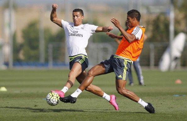 Varane in allenamento con Cristiano Ronaldo