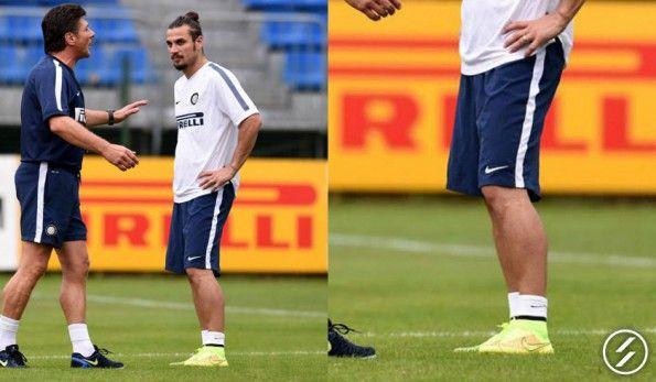Osvaldo con le scarpe Nike Magista
