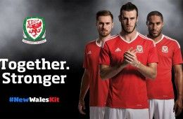 Presentazione kit home Galles Euro 2016