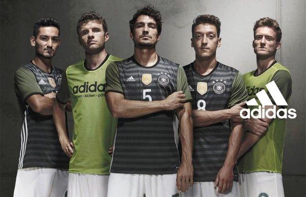 Maglia away double face per la Germania agli Europei 2016