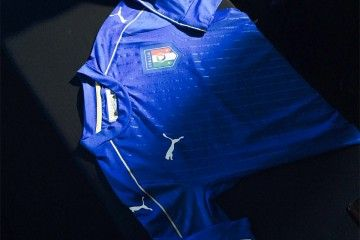 La maglia dell'Italia presentata a Firenze